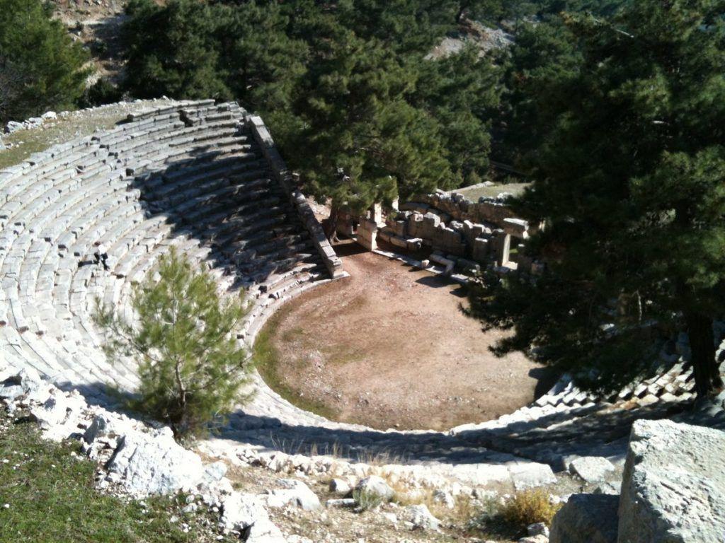3 Arykanda Tiyatrosu